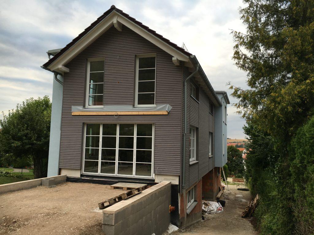 ein ger umiges einfamilienhaus in holzrahmenbauweise in g ttingen holzbau bedachungen uwe. Black Bedroom Furniture Sets. Home Design Ideas